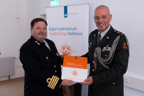 2 sept 2019 Krijgsmachtadjudant Nico Spierenburg nam op 2 september in Breda het eerste exemplaar in ontvangst.